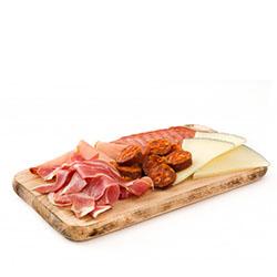 Embutidos y quesos gourmet